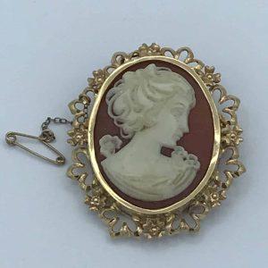 Italian 18ct gold cameo Brooch / Pendant