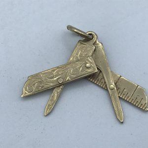 9ct Yellow Gold Masonic Set Square Pendant