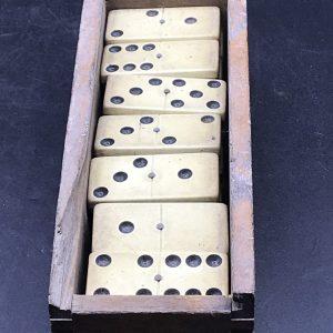 Set Antique Bone and Ebony Dominos Double Six